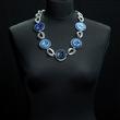 Halskette in drei Blautönen