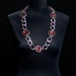 Halskette einfarbig dunkelrot mit rosafarbener Kette