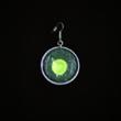 Ohrschmuck einfach, dunkelgrün mit giftgrünem Spot